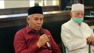 KH Marzuki Mustamar Ketua PWNU Jatim Saat Konfrensi Pers